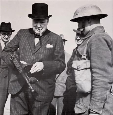 Churchill & Tommy Gun