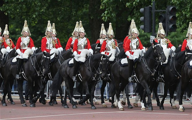 Household Cavalry guards_2710426b