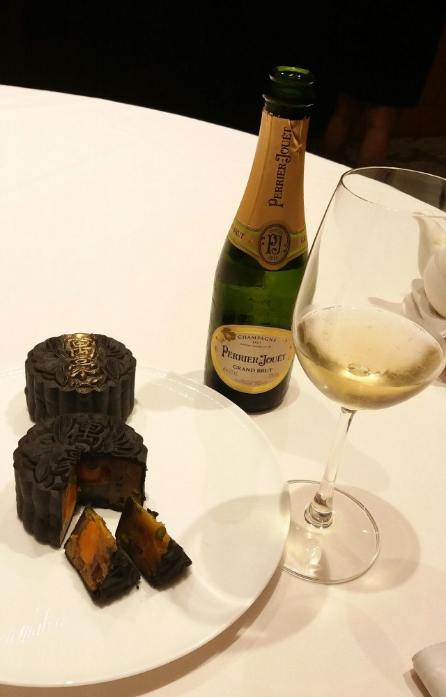 Marriott Mooncake and PJ Champagne20170817_203003_resized